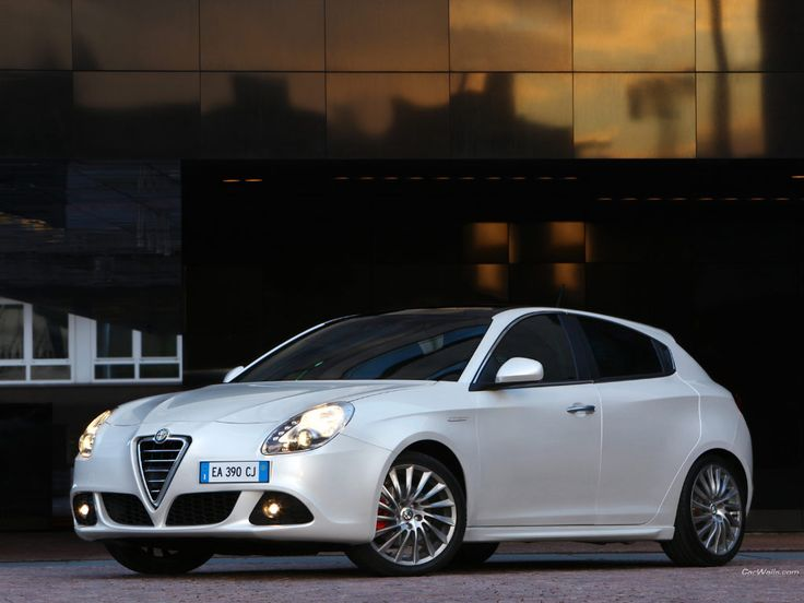 Alfa Romeo Gulietta, this is how the Dodge Dart should have stayed and been sold. Gorgeous.