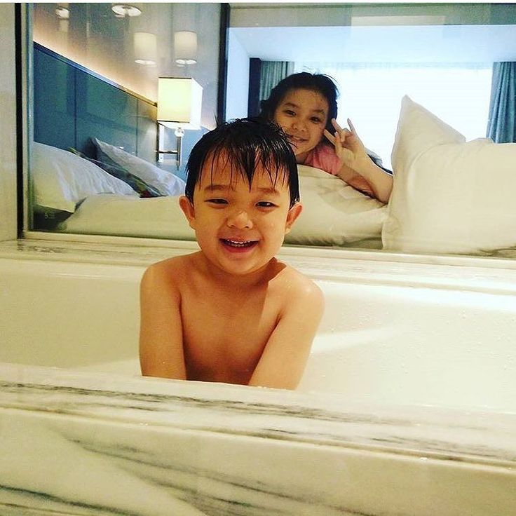 Love laugh and togetherness - couldnt ask for more. . Thank you @anastasia.livia for sharing your experience with us and we hope you had a wonderful time with your family! #sheratongrandjakarta : @anastasia.livia