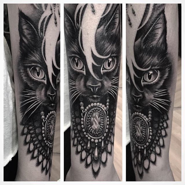 1000 ideas about ryan ashley malarkey on pinterest ryan ashley ryan videos and silver tattoo ink - Tatouage chat noir ...