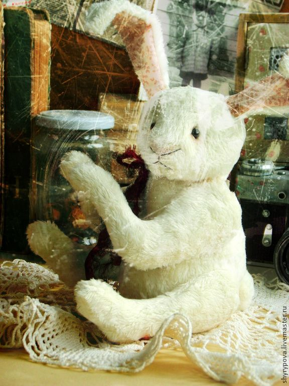 Мистер Винкл (заяц) - белый,универсальный подарок,сувенир,на память,винтажный стиль