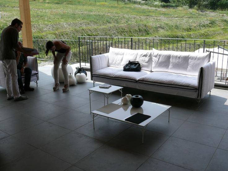 Linee pulite e design accattivante, per un sofa dalla verve grintosa