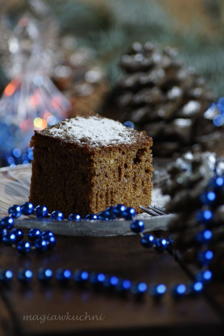 Tight moist gingerbread / Mocno wilgotny i lepki piernik .