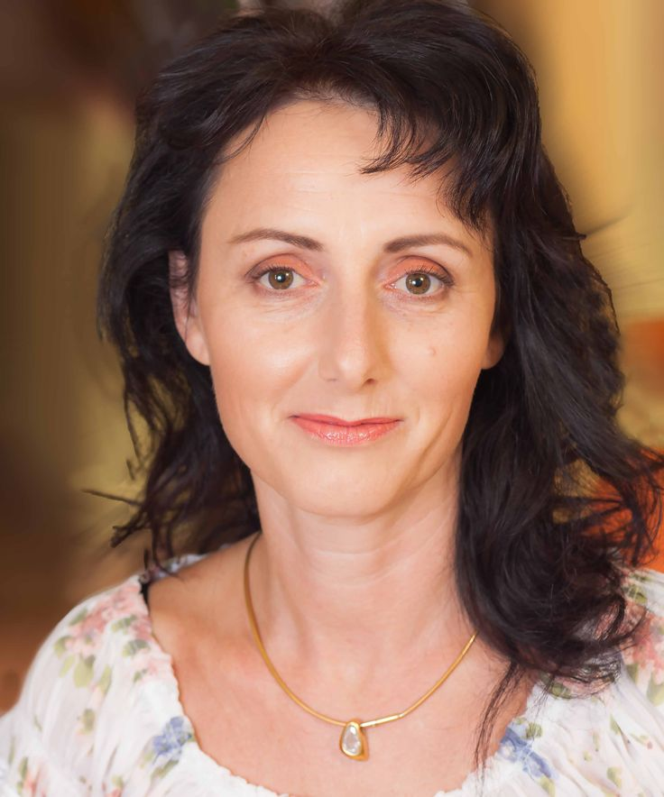modelka na proměnu:Jitka Kozáková make-up:Pavlína Bečvarovová foto:Michal Bečvarov