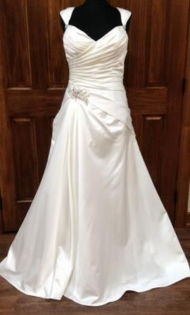 Maggie Sottero Carlo/4MS024: buy this dress for a fraction of the salon price on…