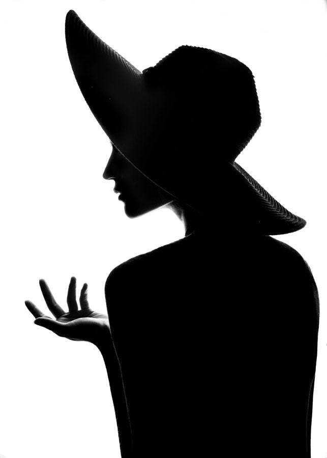 фото в шляпе картинки силуэт чувства эмоции