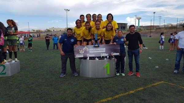 <p>Chihuahua, Chih.- La final femenil de los Juegos Populares de Fútbol entre Club Garra y Bachilleres Madera se definió luego de cardiacos Shoot