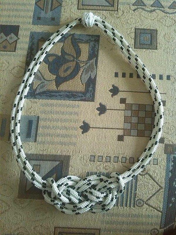 White-black statement necklace:)