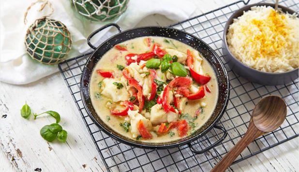 Fisk og curry er en god smakskombinasjon. Grønn curry paste på glass finnes i de fleste dagligvarebutikker. Server med ris eller couscous til.