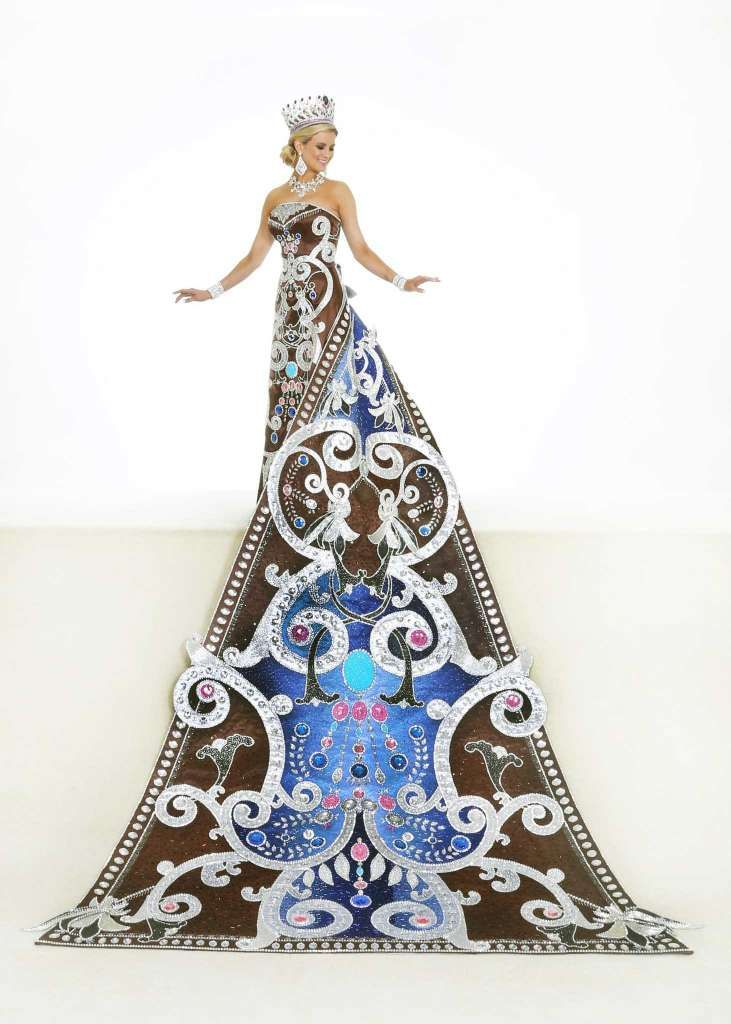 Susannah Griffin Young, Duchess of Jeweled Brilliance Inspired by Zuhair  Murad, the train is