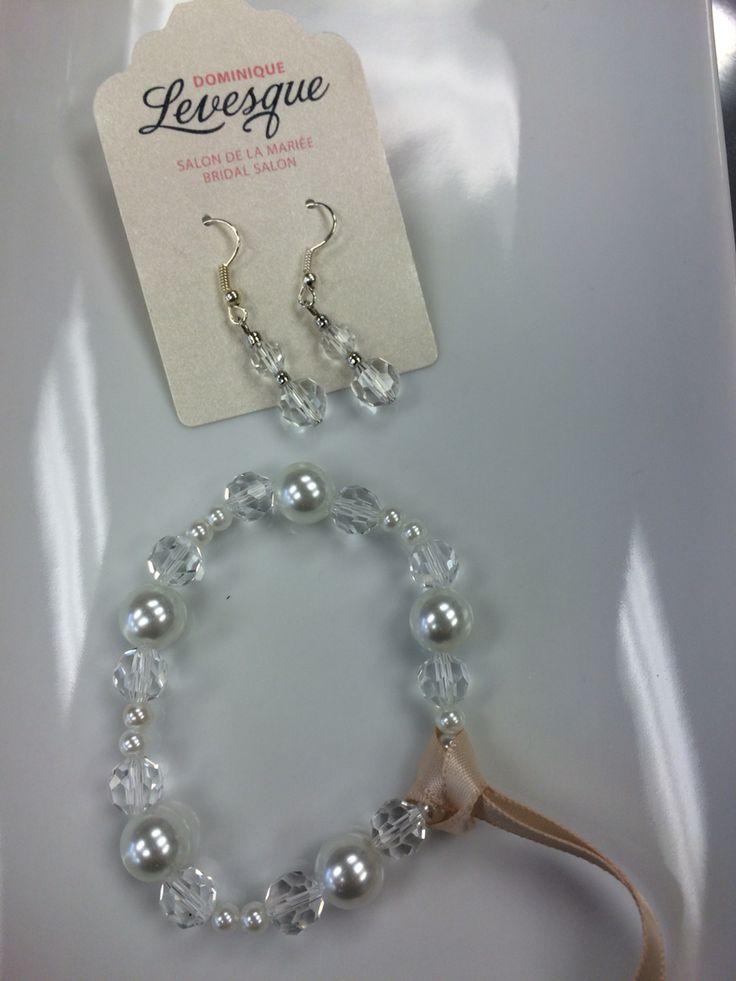 Perfect for a simple wedding #weddingdress #bride #destinatonwedding #wedding #dominiquebridal #bling #handmade #ottawa