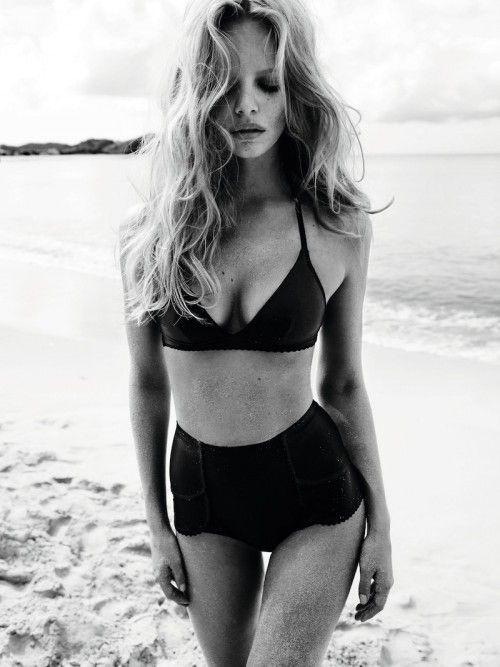 just beachy: Beaches Hair, Vintage Swimsuits, Beaches Waves, High Waist, Black And White, Black Bikinis, Bath Suits, Highwaist, Beaches Body