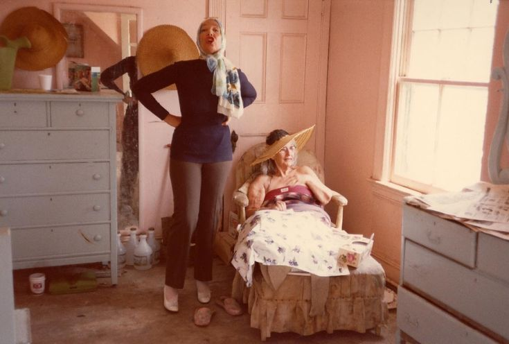 Grey Gardens. 1975. Albert and David Maysles.