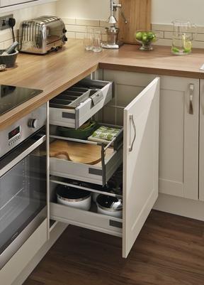 Burford Stone Kitchen Range | Kitchen Families | Howdens Joinery