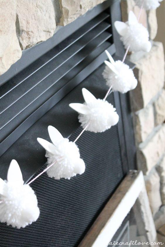 "{DIY} Bunny Pom Pom Garland schreit ""Hoppy"" Easter!"