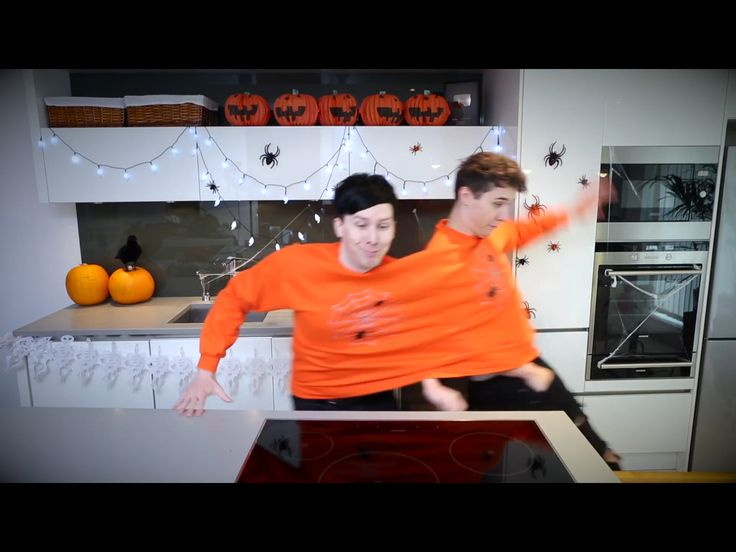 Dan and Phil Halloween Baking 2017 conjoined challenge