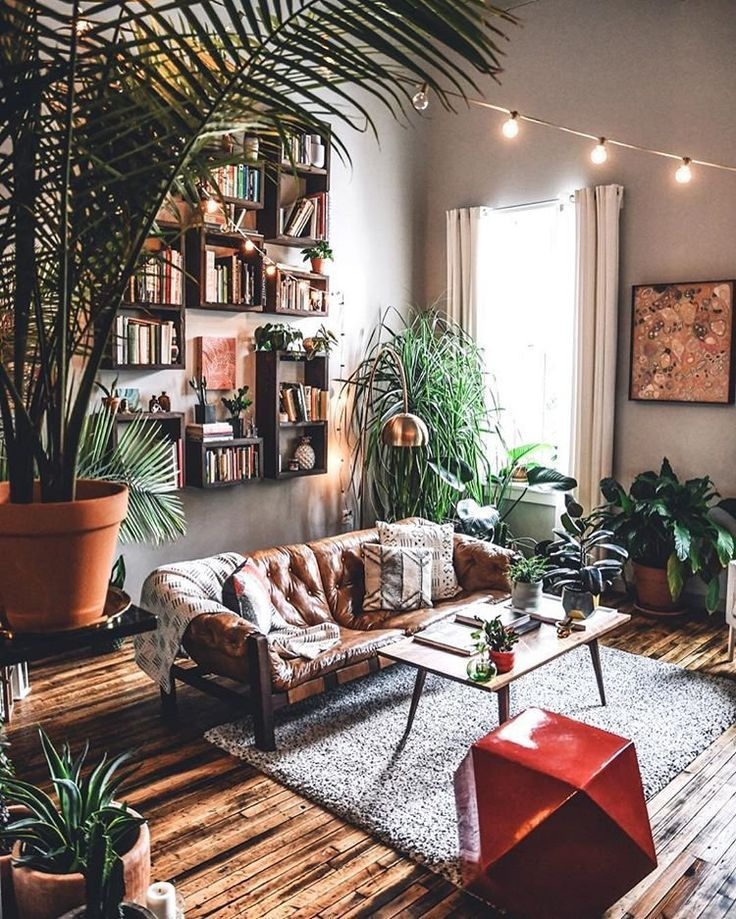 Gorgeous boho plant filled living room   Decoracion de ...