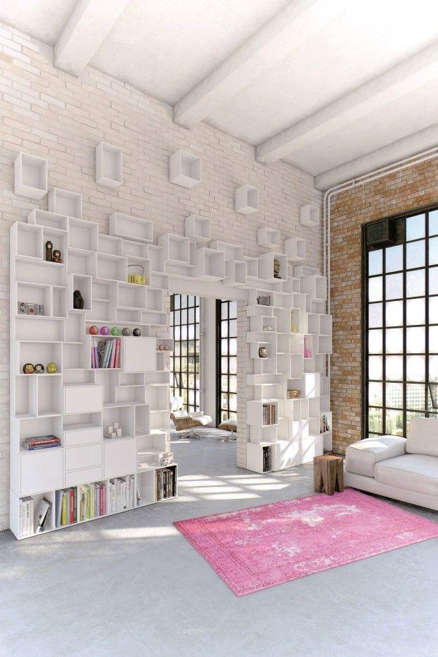 Grande Bibliotheque faites de cubes asymetriques inspiration DIY (ou cubeit ;) )