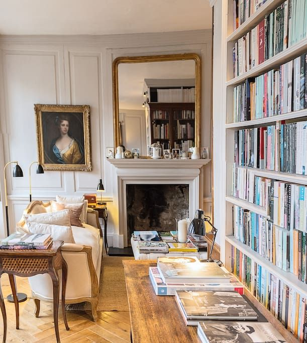 in Edinburgh , United Kingdom. Romantic apartment in the heart of the Old Town of Edinburgh, very much the perfect base from which to explore the city from.  Romantic and stylish apartment, It's the perfect base from which to explore Edinburgh from. I've already had some great ...