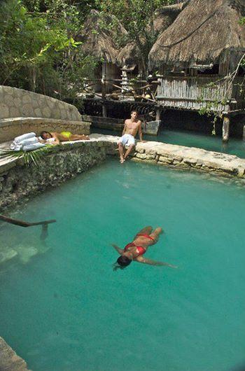 Кроме того, из Плайя-дель-Кармен можно съездить в парк Шкарет, где вас ждут водные приключения, природа и ритуалы древних майя! http://rivieramaya.grandvelas.com/russian/
