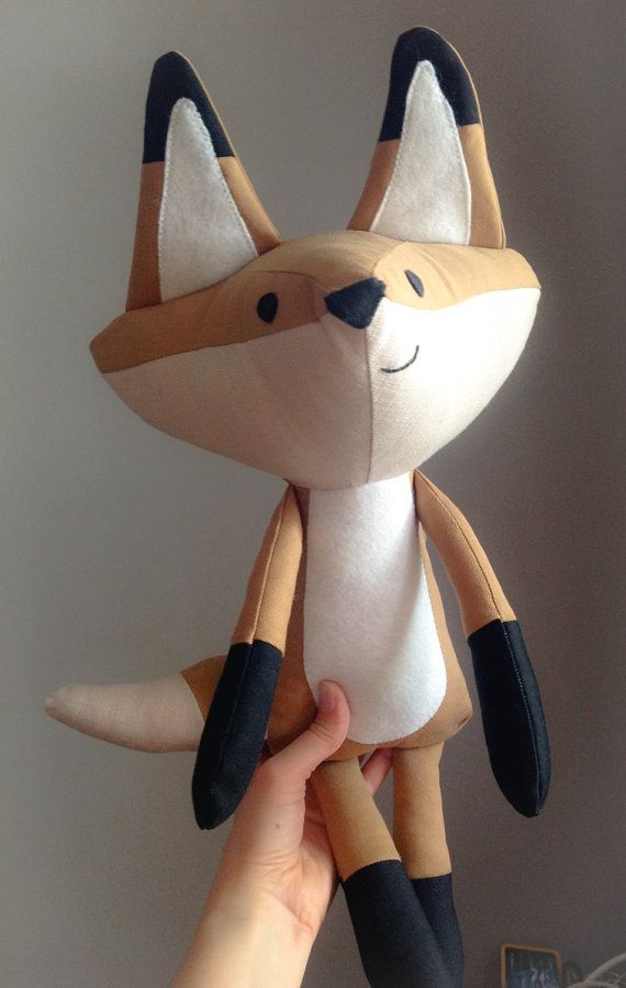 Happy fox doll / Peluche décorative renard