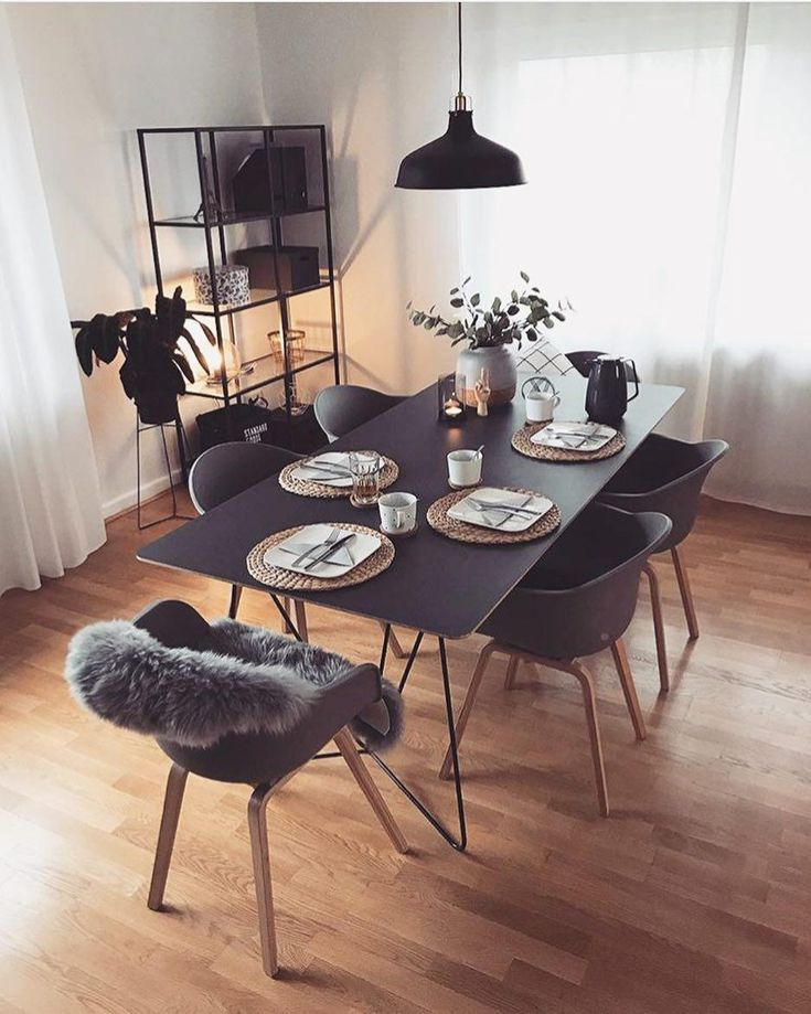The armchair Claire in Scandi design is the absolute trendsetter in the dining room. The simple and airy design brings brightness and Nordic vibes to your home. // dining room fur ideas furnishing dining table chairs decoration decoration lamps shelves books vase flowers Scandinavian #dining room #dining room Ideas #dish # chairs #Deco #Dekoration #flowers #scandinavian @steffikhn