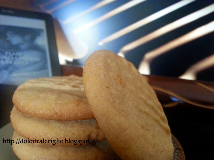 Dolci tra le righe: Il tuo meraviglioso silenzio di Katja Millay con Biscotti al burro di rachidi.La ricetta ORIGINALE dei Peanut Butter Cookies --> http://dolcitralerighe.blogspot.it/2014/09/il-tuo-meraviglioso-silenzio-di-katja.html