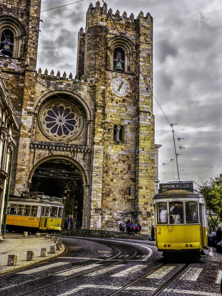 https://flic.kr/p/wy6j4X | Lisbon Cathedral, Portugal