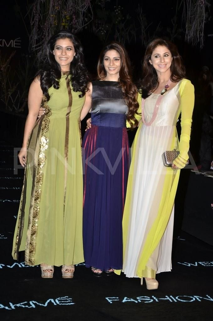 Kajol ,Tanisha attend Manish Malhotra's show at LFW | PINKVILLA