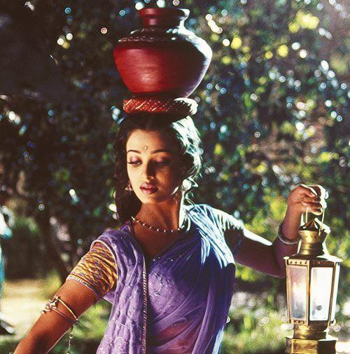 """Aishwarya Rai Wallpapers: Aishwarya Rai """"Saree Pictures"""""""