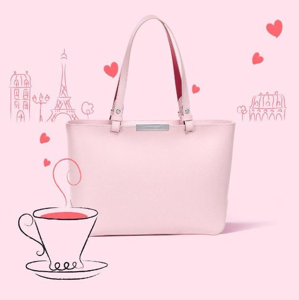 Un café s'il vous plait! With a pretty pink handbag to match. #vogue #valentines