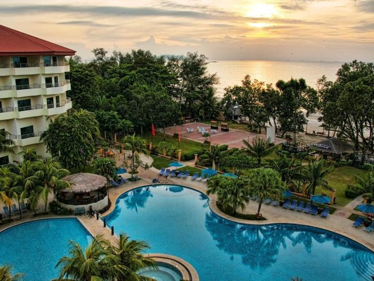 Kuantan Swiss-Garden Beach Resort Kuantan Malaysia, Asia Located in Beserah, Swiss-Garden Beach Resort Kuantan is a perfect starting point from which to explore Kuantan. The hotel offers guests a range of services and amenities designed to provide comfort and convenience. Facilities like free Wi-Fi in all rooms, 24-hour security, convenience store, daily housekeeping, gift/souvenir shop are readily available for you to enjoy. All rooms are designed and decorated to make guests...
