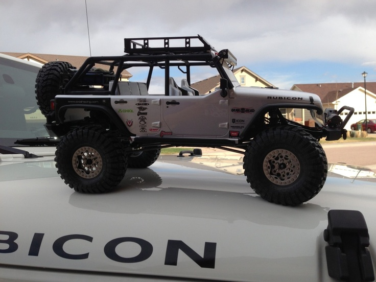 Winch Bumpers Ford with VP Goodies, DinkyRC rear rack, GearHead RC roof Rack, RC4WD winch ...