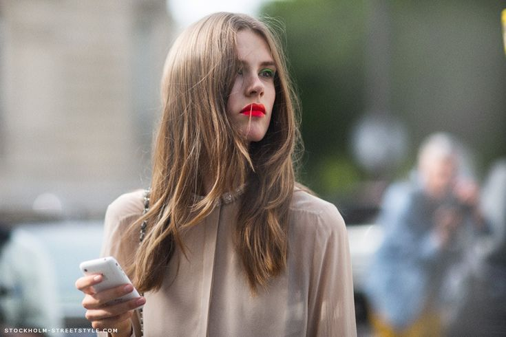 lipsBlouses, Stockholm Street Style, Neon, Beautiful, Red Lips, Hair, Bright Lips, Lips Colors, Green Eye