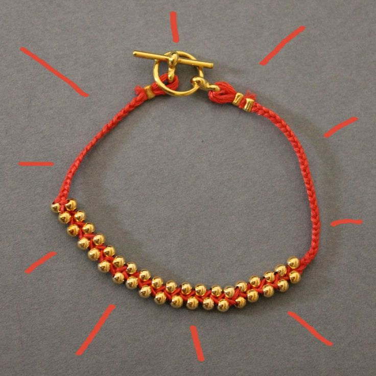 Fantastic DIY bracelet. Go to the website to follow the step by step of this creation.