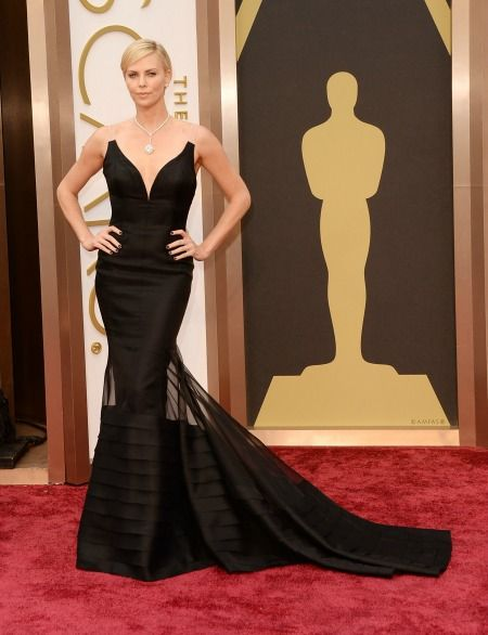 Charlize Theron with Dior dress in Oscars 2014