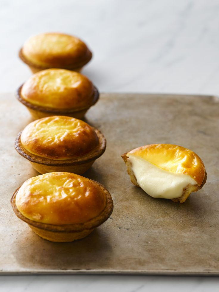NEW OPENING – I am so excited that BAKE CHEESE TART from Hokkaido will be opening here in Singapore. Now there is no need to travel all the way to Japan and I can have these tarts as often as I wish. My first time trying BAKE CHEESE TART was at their Jiyugaoka store inContinue Reading