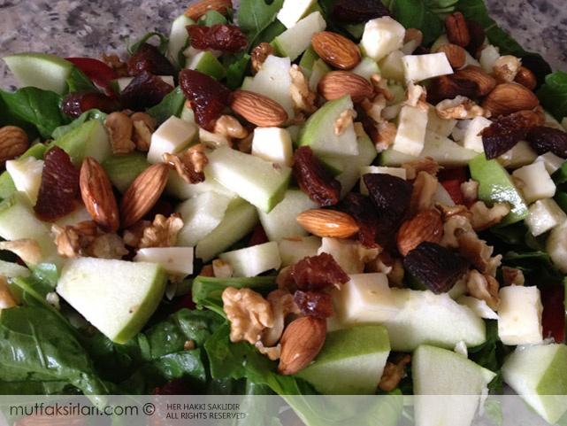 Karatay Kahvaltısı: Elmalı Salata