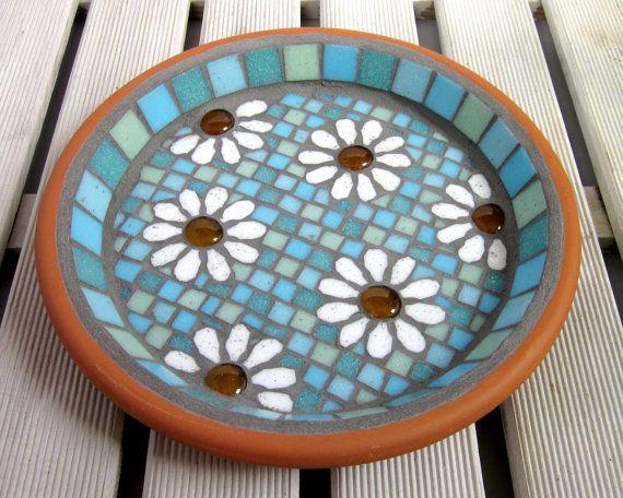 Pastel White Daisy Garden Garten Mosaik Vogel Bad von JoSaraUK                                                                                                                                                                                 Mehr