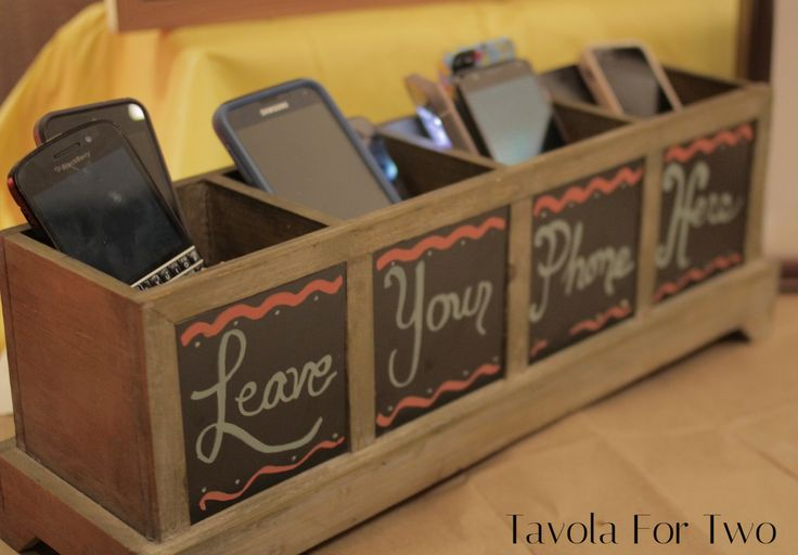 Tavola for Two Launch Party Unplugged & Detached. No Cell Phones! DIY Chalk Ink Markers