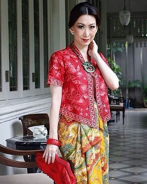 #batikchic #lunar ... #photooftheday #wastra #indonesia