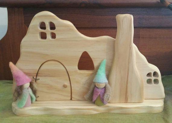 Natural Wooden Waldorf Gnome Home von Folkwood auf Etsy
