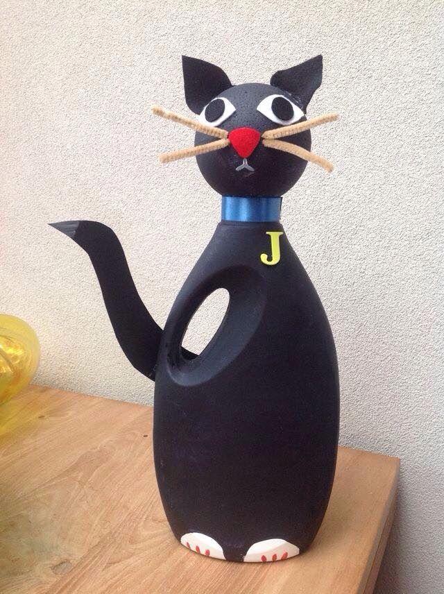 Gato feito com garrafa de amaciante pra casa pinterest garrafa bola de isopor e garrafas - Bichos bola en casa ...