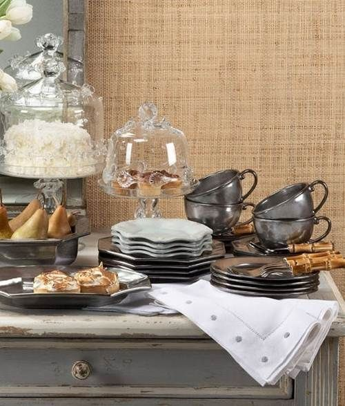Example dining table display
