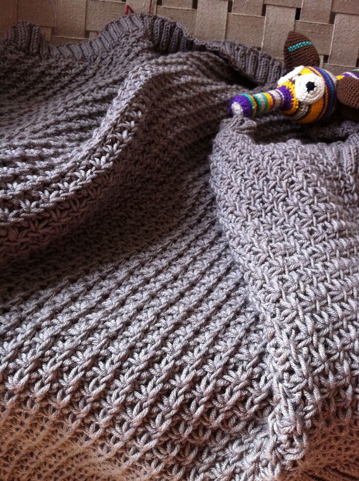 Baby Blanket In Daisy Stitch By Marie-Louise Hauge - Free Knitted Pattern - (ravelry)