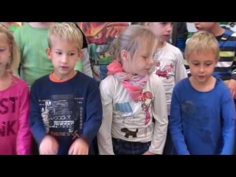 ZenEmese - Zenés iskolakezdés  1. osztály  szeptember  2016. - YouTube