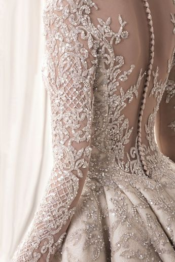 Krikor Jabotian 2018 bridal assortment – subtle wedding ceremony clothes with impeccable detailing