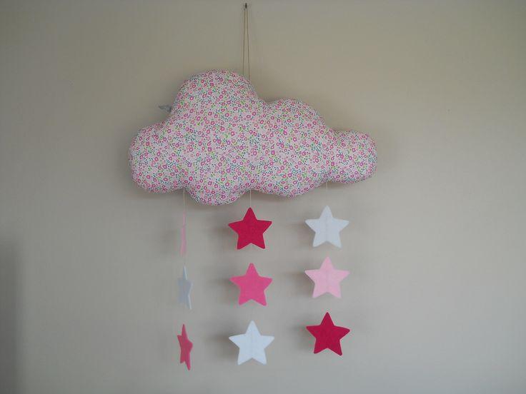 nuage liberty rose et pluie d 39 toiles en feutrine d co d 39 enfants pinterest nuage pluie et. Black Bedroom Furniture Sets. Home Design Ideas