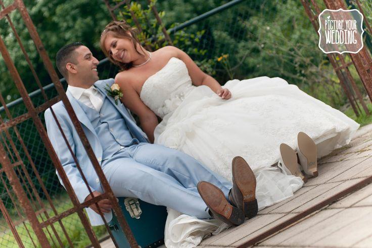 Picture Your Wedding #bruiloft #trouwdag #fotografie #vintage #koffer #she's mine