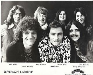 """September 6, 1975 - 41 Years Ago Today: Jefferson Starship began a non-consecutive 4-week run at No. 1 on the Billboard 200 Chart with their album, """"Red Octopus."""" Following 14 charted albums under their previous billing of Jefferson Airplane, (two of which were Top Tens), this was the second album under their new band name of Jefferson Starship and it became their first and only No. 1 album. The strength of the Marty Balin-penned single, """"Miracles,"""" which was still on the ascent propelled…"""