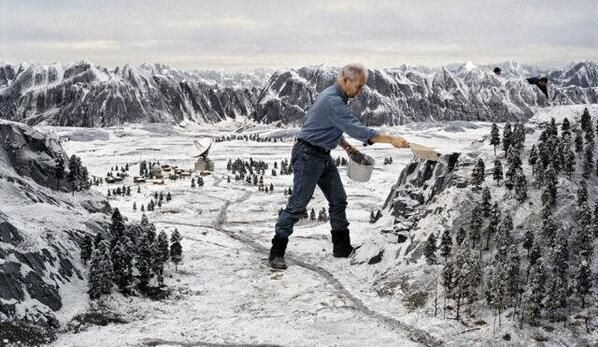 Behind the scenes of Goldeneye, which had the largest amount of miniature work ever in a James Bond movie, 1995. http://t.co/FSbtTHCoT0